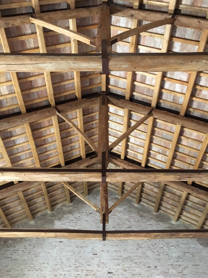 La casa di silvia riveste il suo colore originale casa for Casa del granaio cracker